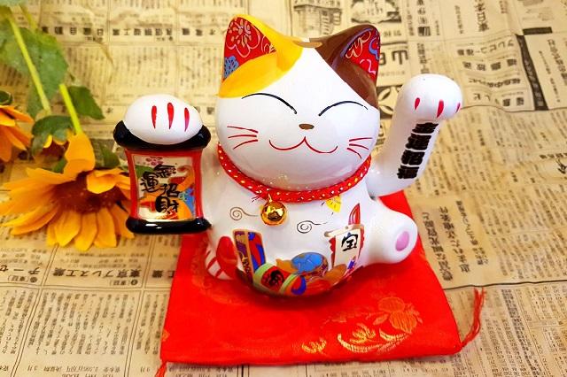 Mèo Maneki Neko có ý nghĩa mang đến sự may mắn, tiền tài cho gia chủ